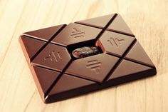 Read - Trump SoHo launches new package to indulge in To'ak, world's most expensive chocolate on Luxurylaunches Chocolate Caro, Luxury Chocolate, White Chocolate, Cacao Chocolate, Chocolate Bourbon, Organic Chocolate, Chocolate Shop, Chocolate Lovers, Gourmet