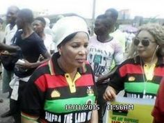 Photos:- Nnamdi Kanu's Mother Leads Pro-Biafra Protest - http://www.77evenbusiness.com/photos-nnamdi-kanus-mother-leads-pro-biafra-protest/