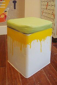 Mais uma ideia show do Morar Mais Por Menos Rio 2012: Banqueta de lata de tinta.