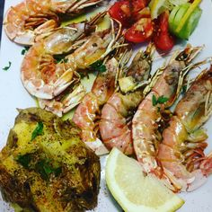 Kink prawns with grilled potatoes..