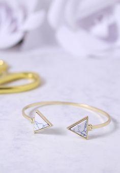 CSIRKENŐK: MÁRVÁNYOS KARKÖTŐ Bangles, Bracelets, Gold, Jewelry, Fashion, Moda, Jewlery, Jewerly, Fashion Styles