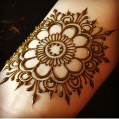 Henna Tattoo Designs Simple, Mehndi Designs Book, Finger Henna Designs, Mehndi Designs For Beginners, Modern Mehndi Designs, Mehndi Designs For Girls, Mehndi Design Pictures, Mehndi Designs For Fingers, Beautiful Henna Designs