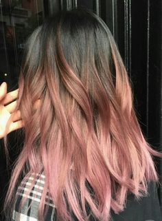 Rose Pink Hair Looks Pink hair has been a big hair colour trend for a few years and it shows no sign Brown And Pink Hair, Ombre Brown, Pink Brown, Dyed Hair Brown, Dyed Ends Of Hair, Brown Brown, Hair Dye, Wavy Hair, New Hair