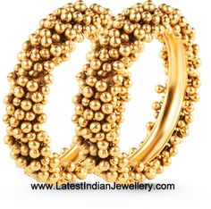 I love payal with everything.Indian Jewellery and Clothing: Designer gold bangles from Orra diamonds and jewellers. The Bangles, Silver Bracelets, Bangle Bracelets, Bridal Bangles, Ring Bracelet, Silver Ring, India Jewelry, Gold Jewelry, Gemstone Jewelry