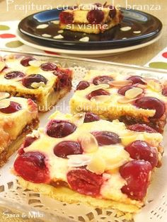 Cherry cake and cream cheese ~ Culorile din farfurie (OK this looks yummy but why isn't there a link to the recipe? Dessert Sauces, Dessert Recipes, Yummy Treats, Sweet Treats, Good Food, Yummy Food, No Cook Desserts, Baked Goods, Baking Recipes