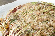 Aprenda a fazer okonomiyaki, panquequinhas ao estilo japonês.