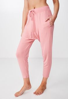 Regular fit and straight leg shaping. Full length to the ankle. Lightweight fleece with stretch and a supersoft finish. Drop Crotch Pants, Hip Bones, Body Measurements, Recovery, Glow, Sleep, It Is Finished, Pink, Cotton