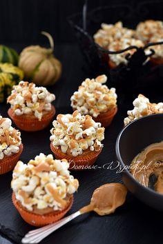 Babeczki dyniowe z popcornem