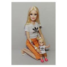 Barbie Y Ken, Barbie Dress, Barbie Dolls Pregnant, Dolls House Shop, Barbies Pics, Baby Boy Swag, Diy Barbie Clothes, Barbie Diorama, Barbie Family