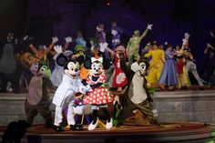 One of the stage shows at Parc Disneyland Paris.
