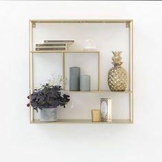 Etagère murale en métal filaire gold Uptown - GM | DECOCLICO Floating Shelves, Home Decor, Console, Collection, Unique, Products, Wall Shelves, Minimalist, Home