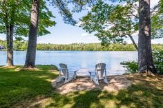 The warmth of the sun and stillness of the water is truly inviting. #hemlockpoint #LakeLifeRealty #Moultonborough
