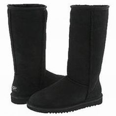 Want to know how to wear Ugg boots? Simple - byadopting the spirit of their origins. Understated, casually and simply for the fun of wearing a great pair of sheepskin boots.