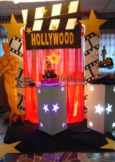 Decoración de 15 años. Temática Hollywood 5 (Mesa de torta)