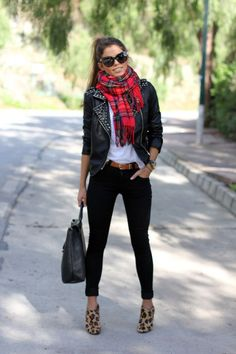 I can't get enough of this. Plaid, leather, and leopard! Also, the oversized glasses and cute ponytail add so much to the outfit.