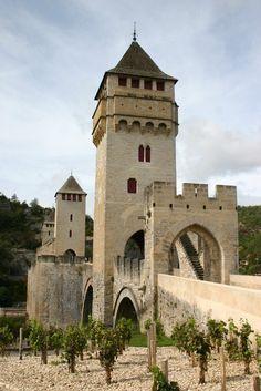 Pont Valentré, Cahors, Lot, Midi-Pyrenées, France