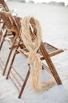 Starfish aisle marker. Love this for a beach wedding {Photo by KT Merry via Project Wedding}