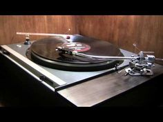 Duane Eddy - Secret Love (1962; best sound at 720p; played on a Sony TTS 3000 turntable with an SME 3009 Mark 11 tonearm, and an Ortofon 10 cartridge.)