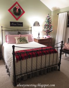 Christmas bedroom ideas home decor house decor bedsheets bedroom decor home ideas Christmas ideas. This would look lovey in a guest bedroom what do you all think? Cozy Christmas, All Things Christmas, Christmas Ideas, Xmas, Beautiful Christmas, Christmas Cookies, White Coverlet, White Bedding, Christmas Bedding