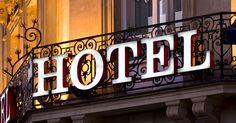 Billig overnatning - sådan sparer du penge på hotellet  Noget af det allervigtigste for at få en god ferie er, at du vælger det rigtige overnatningssted til den bedste pris. Herunder finder du 10 gode tips til at finde billig overnatning.