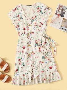 To find out about the Ditsy Floral Print Ruffle Hem Dress With Skirt at SHEIN, part of our latest Dresses ready to shop online today! Ditsy Floral, Floral Tops, Floral Prints, Women's Fashion Dresses, Dress Outfits, Maxi Dresses, Fit N Flare Dress, Latest Dress, Belted Dress