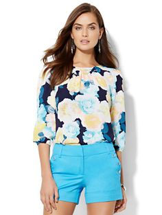 Shop 7th Avenue Design Studio - Back-Button Blouse - Floral . Find your perfect size online at the best price at New York & Company.