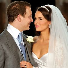 Lord Freddie Windsor poses with his bride Sophie Winkleman in the Base Court, minutes after their wedding in the Chapel Royal at Hampton Court Palace on September 2009 in Richmond upon Thames, England. Lord Frederick Windsor, Royal Brides, Royal Weddings, Wedding Wear, Wedding Gowns, Sophie Winkleman, Navy Gown, Bride Sister, Celebrity Weddings