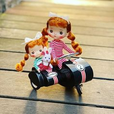 Kawaii Doll, Ukulele, Annie, Dolls, Christmas Ornaments, Holiday Decor, Garden, Inspiration, Baby Dolls