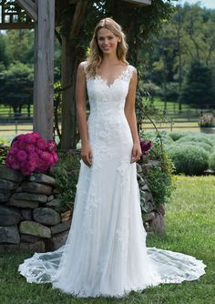 47dbdb5c27 Sincerity Bridal - Style 3976  Chantilly and Corded Lace Trumpet Dress with  Detachable Train Empire