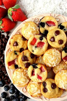 Mini Pancake Muffins - soft and fluffy mini muffins that taste just like pancakes. Topped with fresh fruit and chocolate are the perfect mini treat!