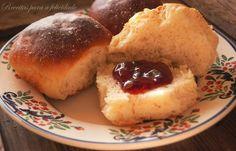 Receita de Pãezinhos de Leite feitos na Cuisine Companion do blogue Receitas para a Felicidade