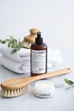 Check this web link right here based on Bathroom Decor Inspiration Farmasi Cosmetics, Natural Cosmetics, Cosmetic Design, Beauty Photography, Product Photography, Photography Composition, Photography Lighting, Photography Backdrops, Photography Ideas