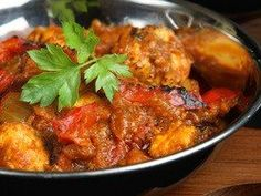 Photo about Indian chicken jalfrezi curry with Bombay aloo vegetable curry. Image of food, indian, closeup - 10386318 Great Chicken Recipes, Leftover Chicken Recipes, Leftovers Recipes, Leftover Turkey Curry, Yorkshire Food, Recipes With Naan Bread, Best Curry, Tonkatsu, Indian Chicken