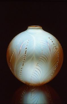Round Vase No Lip, Feather Pattern - Zweifel Art Glass