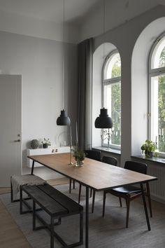 Dining Room Design, Dining Room Furniture, Dining Room Table, Interior Design Living Room, Room Interior, Scandi Dining Table, Dining Area, White Furniture, Furniture Stores