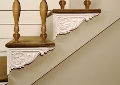 What a simple yet beautiful way to dress up a staircase. -- Dress Up Your Stairs with Decorative Stair Brackets: Van Dyke's Restorers. Metal Stairs, Painted Stairs, Wooden Stairs, Redo Stairs, Staircase Makeover, Replace Stair Railing, Stair Brackets, Stairs Stringer, Study Room Design