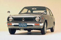 Honda Civic de 1975 - Produzido desde 1972 durante mais de nove gerações e com mais de 18.500 mil unidades registadas, é o Honda Civic a assegurar o sexto lugar entre os mais vendidos no mundo e o segundo modelo da Honda na lista.