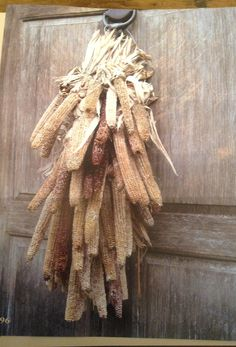 Corncobs with husks swag.  Does anyone know how to make it?