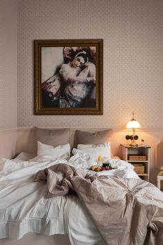 Unique Wallpaper, New Wallpaper, Bedroom Wallpaper, Wallpaper Ideas, Art Deco Bedroom, Scandinavian Bedroom, Traditional Wallpaper, Bedroom Vintage, Modern Room