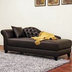 The sofa or brown leather chaise lounge is usually one of the jewels of the houses. But this beautiful and elegant furniture Modern Chaise Lounge Chairs, Couch With Chaise, Leather Chaise Lounge Chair, Lounge Cushions, Chaise Lounges, Leather Lounge, Leather Sofa, Brown Throw Pillows, Lounge Design