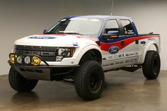 2012-Ford-F-150-SVT-Raptor-003