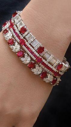Ruby Jewelry, Gems Jewelry, Art Deco Jewelry, Unique Jewelry, Vintage Jewelry, Fine Jewelry, Jewelry Design, Jewlery, Moda Vintage
