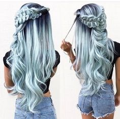 Beautiful mint green hair - Georgina Mee - Saç stilleri Beaux cheveux vert menthe - Georgina Mee - S Cute Hair Colors, Beautiful Hair Color, Hair Dye Colors, Cool Hair Color, Hair Color Blue, Pretty Hairstyles, Braided Hairstyles, Wedding Hairstyles, Unique Hairstyles