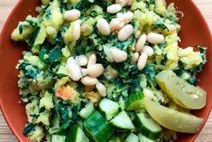 Zelf gemakkelijk een kruidentuin aanleggen | HGVJ.eu Cobb Salad, Smoothies, Food, Salad, Smoothie, Essen, Meals, Yemek, Smoothie Packs