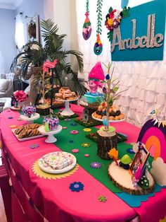 Ana L's Birthday / Trolls - Photo Gallery at Catch My Party Trolls Birthday Party, Troll Party, 6th Birthday Parties, Birthday Dinners, 1st Birthdays, Birthday Party Decorations, Third Birthday Girl, Baby Birthday, Birthday Ideas