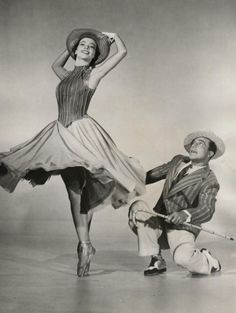 """Leslie Caron and Gene Kelly in classic movie """"An American in Paris"""""""