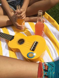 I used to have a yellow ukulele, but it broke :( Aesthetic Colors, Summer Aesthetic, Aesthetic Pictures, Aesthetic Yellow, Camping Aesthetic, Sun Aesthetic, Music Aesthetic, Aesthetic Vintage, Photo Wall Collage