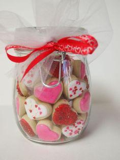 Valentine's Day Cookie Gems by AuntieBeasBaker Valentine Desserts, Valentines Day Cookies, Valentines Day Treats, Valentine Cookies, Valentine Day Crafts, Valentine Nails, Pinterest Valentines, Cute Cookies, Cupcake Cookies