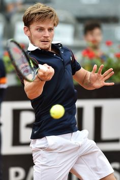 David Goffin-Belgium. Not a big guy, Big game, fast, focused, deliberate, contained, complete all all around controlled, smart tennis, compact strokes. Gets down to business, no drama but intense. Love his game.