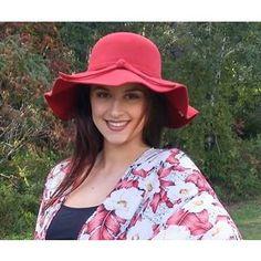 Wool Floppy Hat in Red/Wine